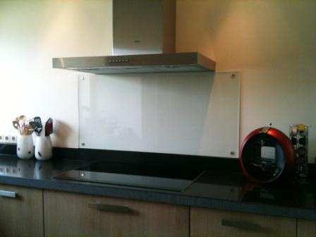 Spatscherm Keuken Glas : Tgstiel specialisten in glasbewerking